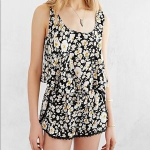 Urban Outfitters | heidi floral tulip shorts
